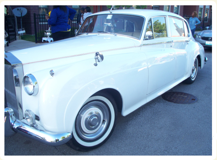 Exterior view of 1962 Rolls Royce prom rental car